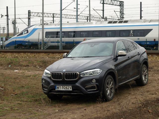 BMW X6 – Drogowa lokomotywa