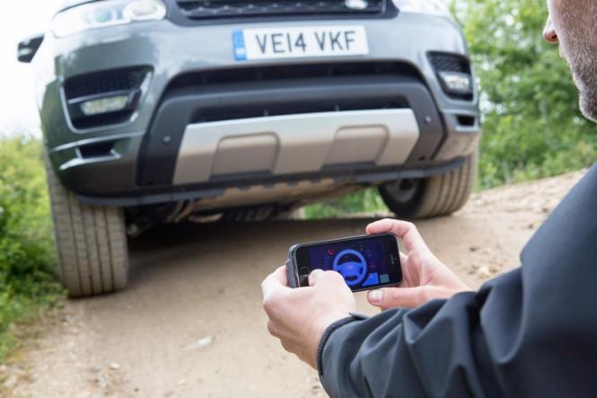 Range Rover sterowany smartfonem