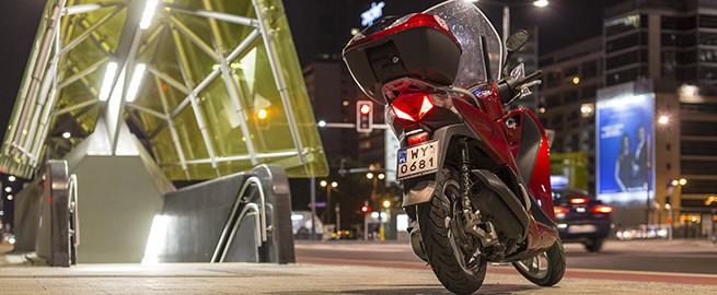 """Honda Sh125i - Alternatywa dla """"miesięcznego"""""""