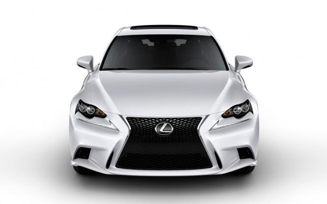 Satelitarny Internet dla Lexusów