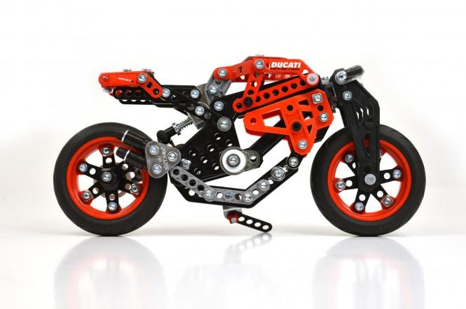 Ducati z klocków Meccano