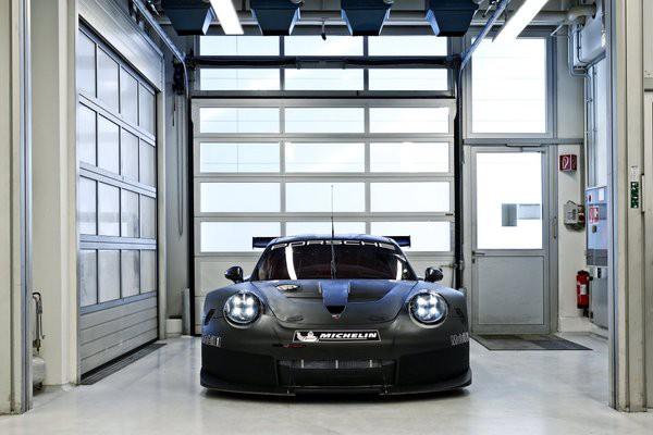 Porsche pokazało nowy model. Silnik już nie z tyłu?!