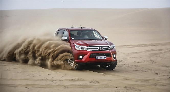 Nowa Toyota Hilux: kolejna odsłona legendarnego pick-up'a