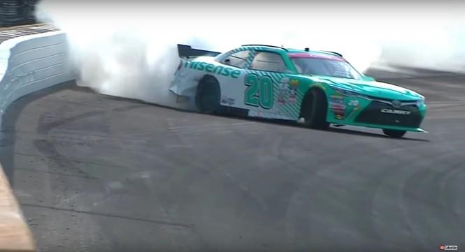 Drift samochodem NASCAR