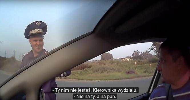 Niekompetentni milicjanci i wkurzony kierowca, czyli po prostu Rosja