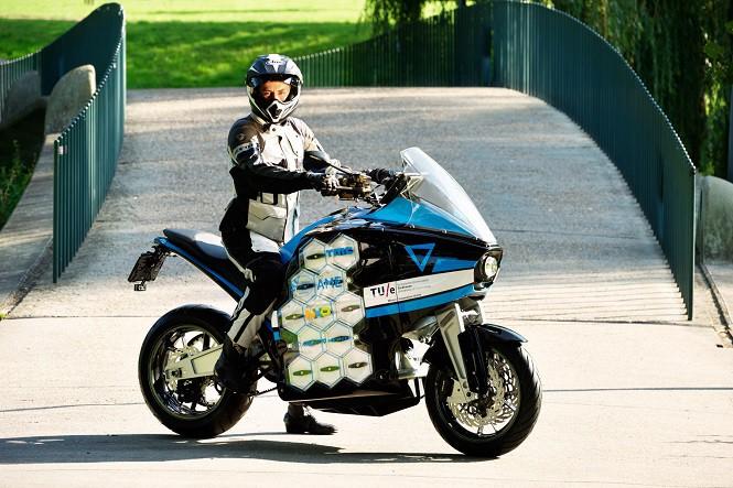 Studenci chcą objechać świat na elektrycznym motocyklu
