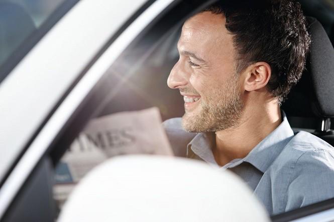 Jak jeździć ekonomicznie? Złote zasady eco drivingu