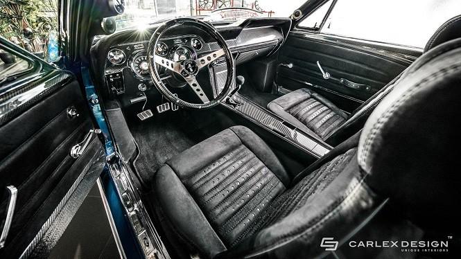 Carlex Design zmodyfikował wnętrze klasycznego Forda Mustanga