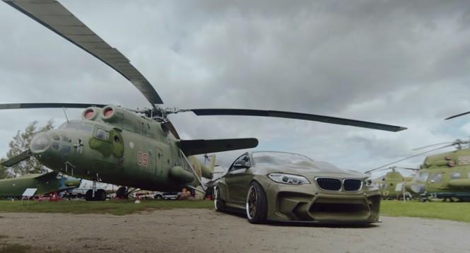 Driftingowe BMW serii 2 z nadwoziem z... kevlaru!