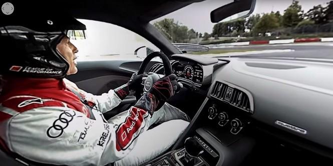 Wybierz się na wirtualną przejażdżkę po torze na fotelu Audi R8