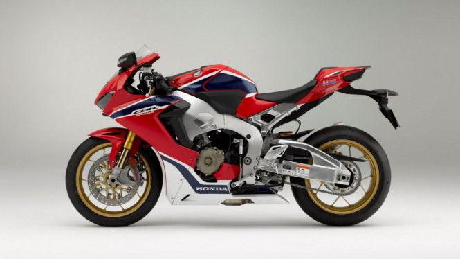 Honda pokaże tańszą wersję CBR1000RR?