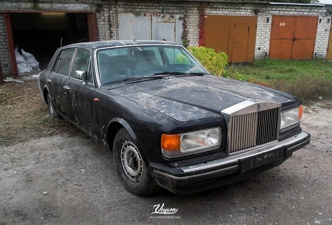 Luksusowy Rolls Royce Ukryty W Garażu Na Ukrainie Autostuffpl