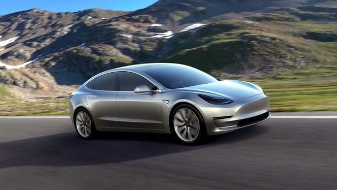 Tesla Model 3 już wyprzedana!