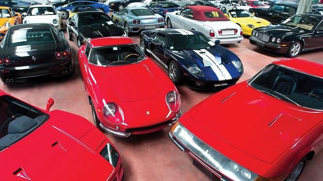 Ponad 600 pojazdów wystawionych na aukcję! Wszystkie należały do jednego właściciela!