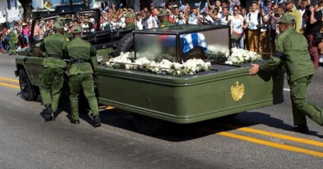 UAZ zepsuł się na pogrzebie Fidela