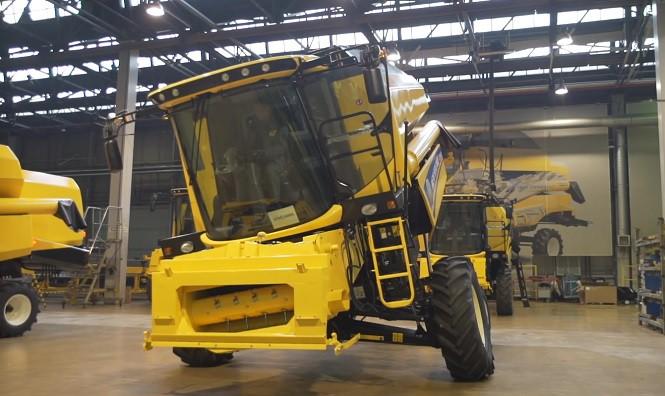 Firma New Holland pokazała jak powstaje sprzęt rolniczy w płockiej fabryce