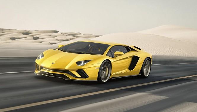 Lamborghini Aventador S: jeszcze mocniejszy i jeszcze szybszy