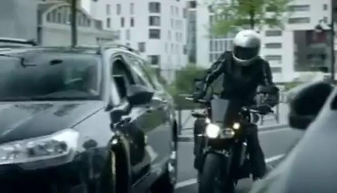 Normalny dzień motocyklisty: francuska kampania społeczna