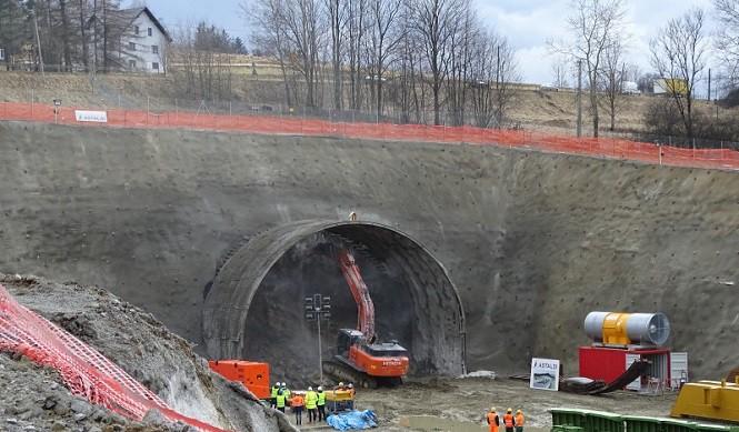 Rozpoczęło się drążenie tunelu pod Małym Luboniem