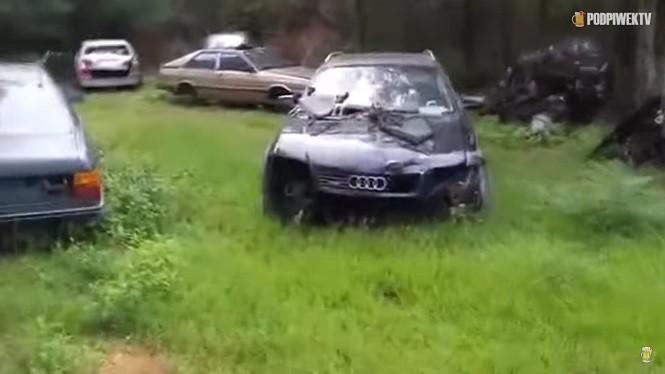 Cmentarzysko Audi gdzieś w USA