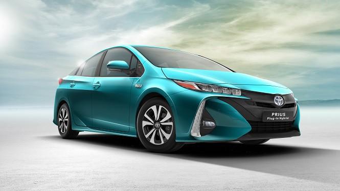 Toyota Prius Plug-in Hybrid otrzymała tytuł World Green Car of the Year 2017