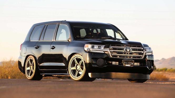 Toyota Land Cruiser o mocy 2000 KM to najszybszy SUV na świecie!
