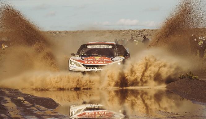 Potrójna wygrana Peugeotów 3008DKR w dakarowym maratonie