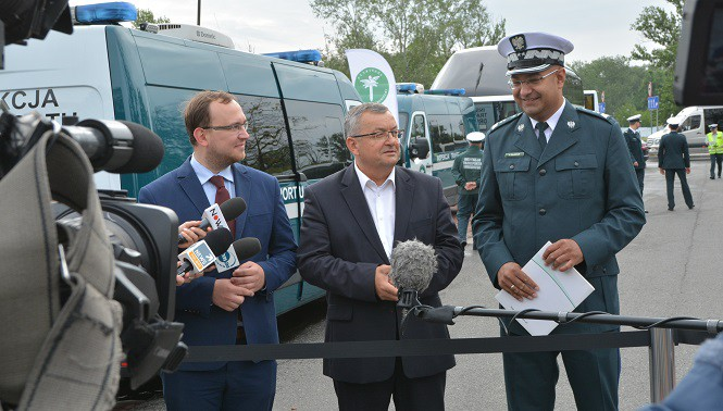 """Inspekcja Transportu Drogowego ruszyła z akcją """"Bezpieczny autokar - wakacje 2017"""""""