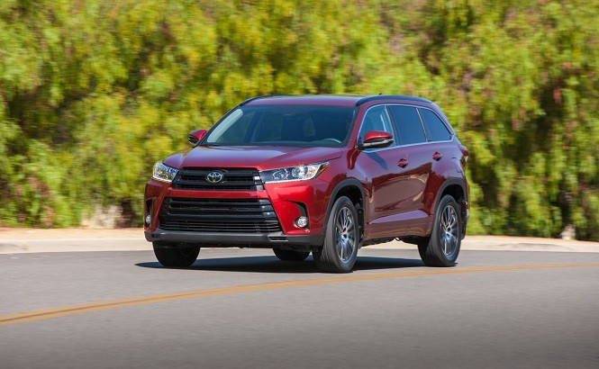 Nagroda Top Safety Pick + IIHS dla Toyoty Highlander