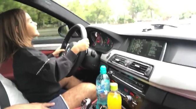 Mała dziewczynka za kierownicą ponad 700-konnego BMW M5