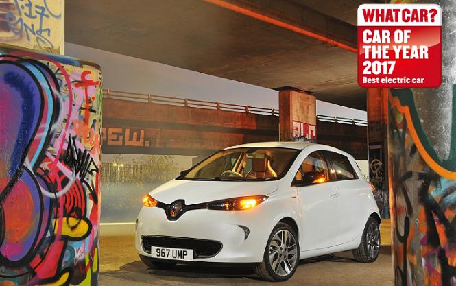 """Czwarty rok z rzędu ZOE zostało wybrane """"Najlepszym samochodem elektrycznym"""" w Wielkiej Brytanii"""