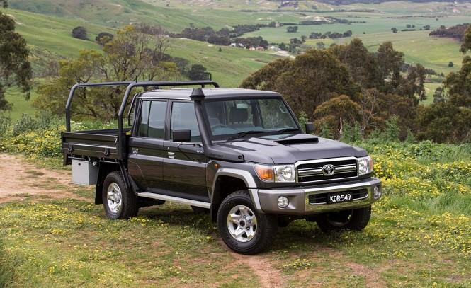 Toyota Land Cruiser samochodem terenowym roku 2017 w Australii
