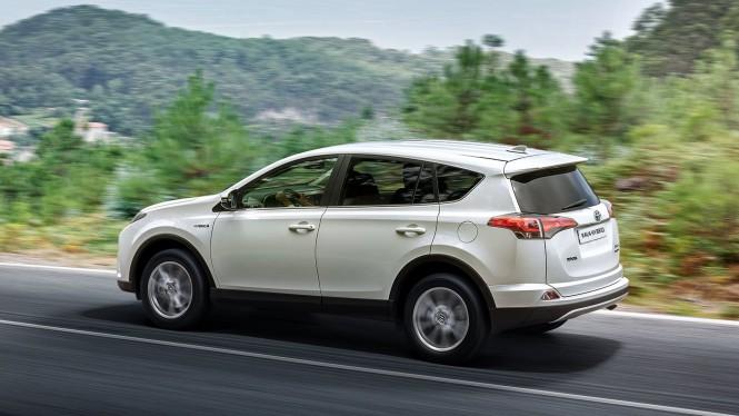 Nowa hybrydowa Toyota RAV4 - rewolucja na rynku samochodów w wersji SUV