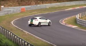 Perfekcyjny drift w wykonaniu Renault Megane R.S.