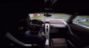 Szybkie okrążenie Porsche Carrera GT - to trzeba zobaczyć