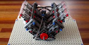 Silnik V-6 z klocków Lego