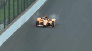 Fernando Alonso podpadł ekologom! W efektowny sposób zabił bolidem dwa ptaki