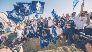 Historyczny, potrójny triumf Peugeotów 3008DKR w Rajdzie Dakar 2017