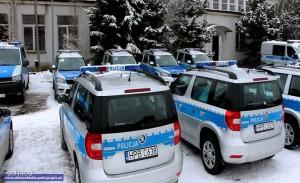 Przekazanie 37 nowych radiowozów zakupionych dla dolnośląskiej policji