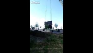 Robotnik został zgnieciony przez ciężarówkę