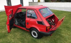 Fabrycznie nowy Fiat 126p za chore pieniądze