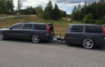 Jedyne takie Volvo V70R z przyczepą – gratka dla fanów szwedzkiego żelaza