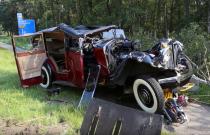 Najdziwniejszy wypadek tego roku: Rolls-Royce z 1935 roku rozbity w drzazgi