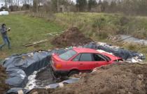 12 tysięcy litrów coli plus stare Audi. Co z tego będzie?