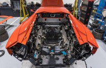 Lambo Aventador jedzie na przegląd. Zdjęcia tylko dla dorosłych!