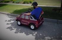 Samochodzik dla dzieci z silnikiem od kosiarki