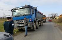Budują obwodnicę Radomia, a przy okazji niszczą lokalne drogi