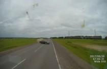 Drastyczny wypadek w Rosji - Audi wjechało w ciężarówkę z prędkością 220 km/h!