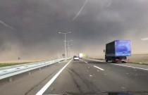 Potężna zamieć złapała kierowców na serbskiej autostradzie