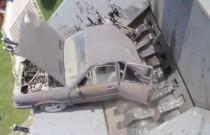Samochód kontra zgniatarka – tak kończą niegrzeczne auta